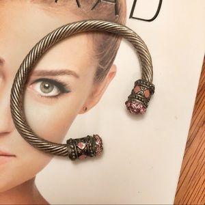 🆕 NWOT Gem Embellished Wire Cuff Bracelet